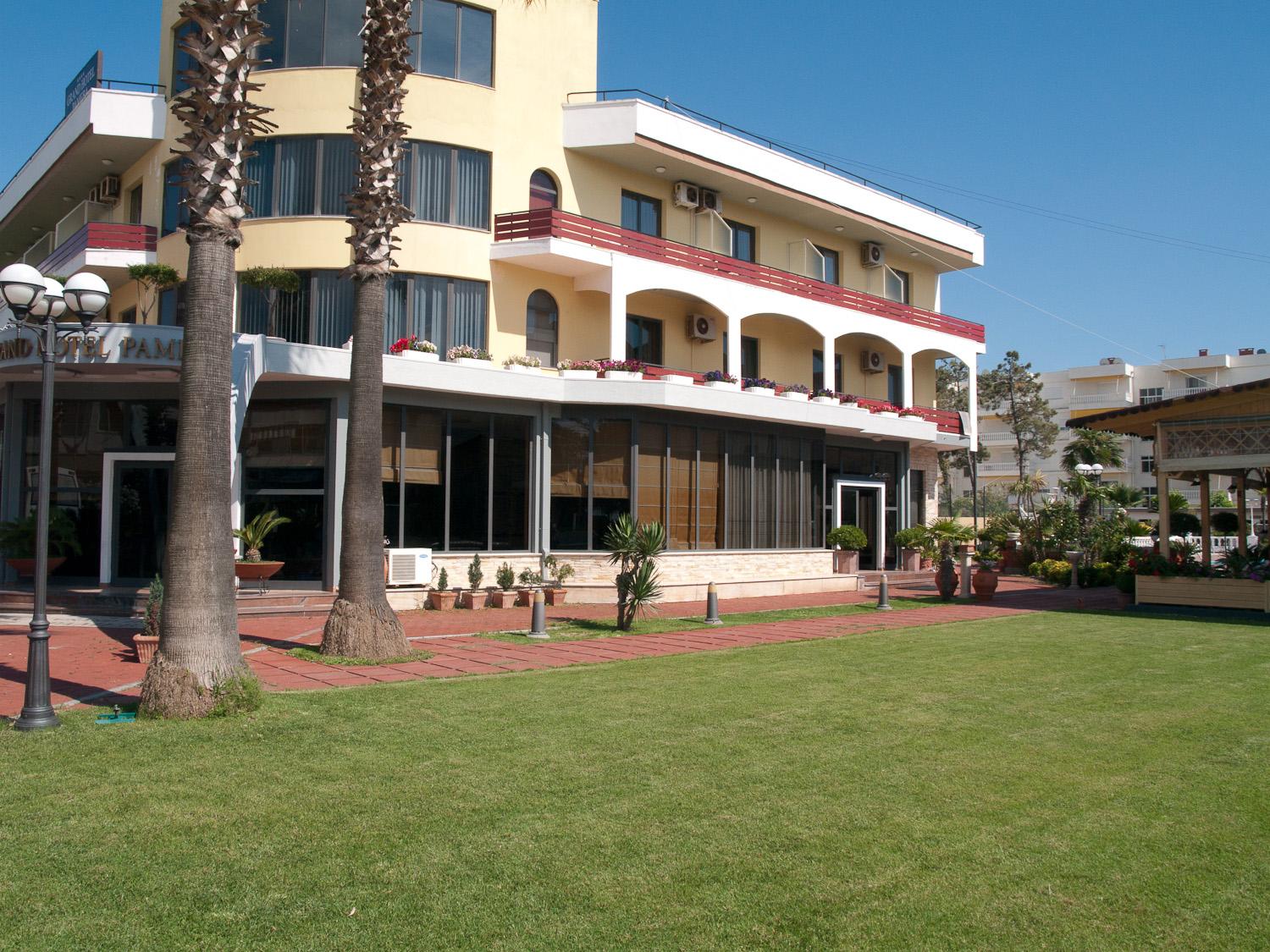 Hotel Grand Pameba