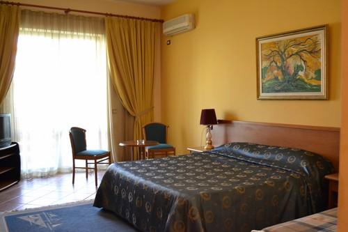 Hotel Studencki - Grand Pameba - Durres