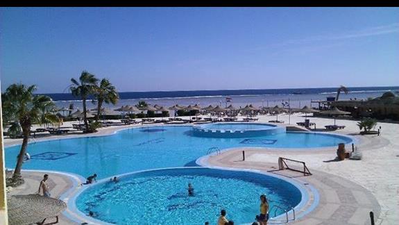 Basen w hotelu Blue Reef Resort